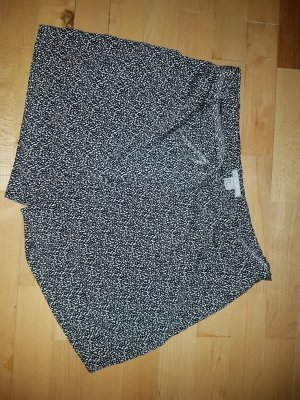 H&M High-Waist-Shorts white-black