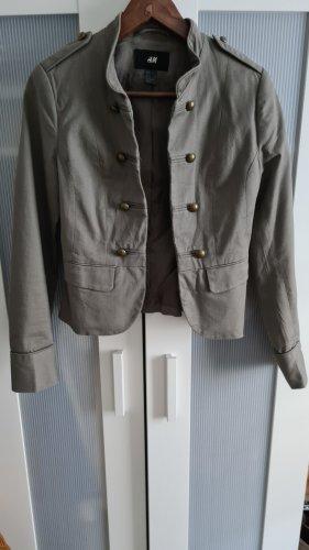 Kurze Jacke im Militär Style Gr S