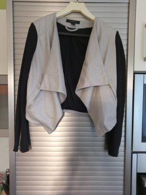 Kurze Jacke von Amisu, Gr. 36, beige-schwarz