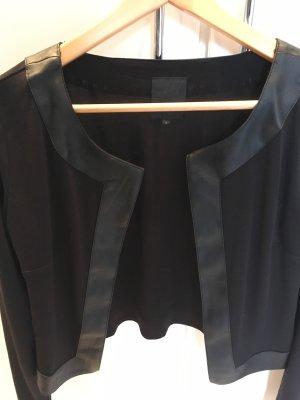 Kurze Jacke von ICHI in Schwarz