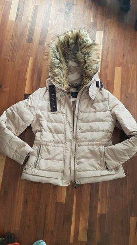 kurze Jacke von Zara