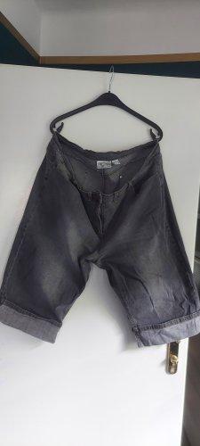 Kurze Jeans grau bis Knie