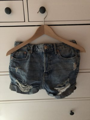 Kurze Jeans Shorts im Destroyed-Look