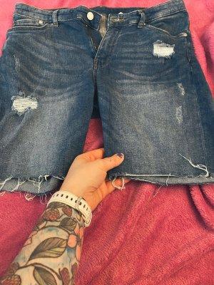 Kurze Jeans- used Look.