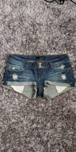 Kurze Jeanshose/Hotpants in 36