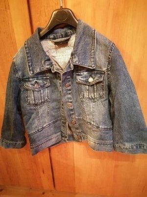 kurze Jeansjacke mit halbem Arm