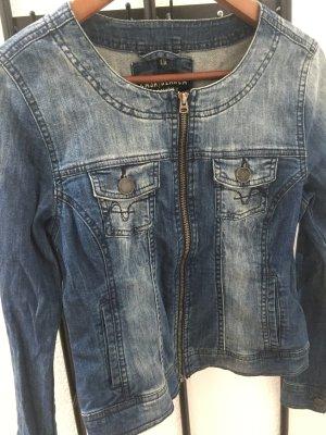 Kurze Jeansjacke mit Reißverschluss