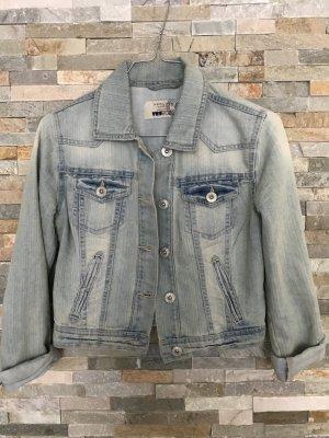 Kurze Jeansjacke von New Look in xs