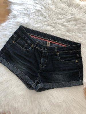 Kurze Jeansshort