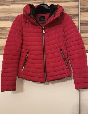 Kurze Rote Jacke