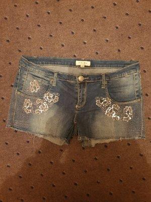 Kurze schöne Hotpants