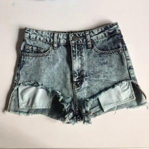 BDG Shorts celeste-bianco