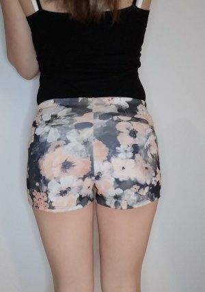 Kurze Shorts Blumenmuster