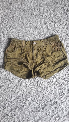 Kurze Shorts in khaki von C&A