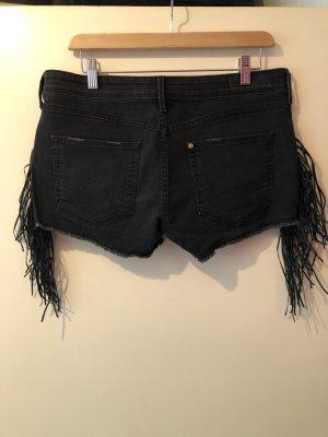Kurze Shorts mit