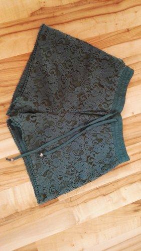 Kurze Spitzen-Shorts