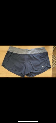 kurze Sporthose Nike