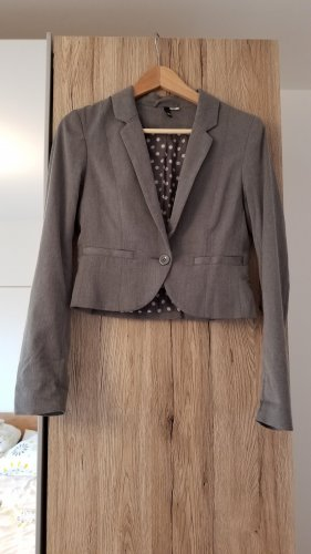 Kurzer Blazer Grau mit Knopf und Taschen