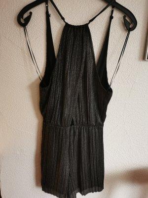 Kurzer Glitzer Jumpsuit in schwarz von Bershka