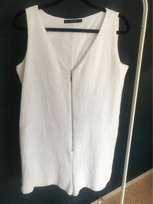 Kurzer Jumpsuit in weiß