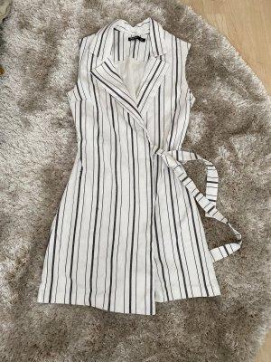 Bershka Kurzer Jumpsuit biały-czarny