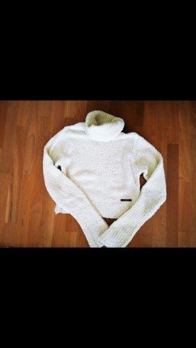 Kurzer kuschliger Pullover