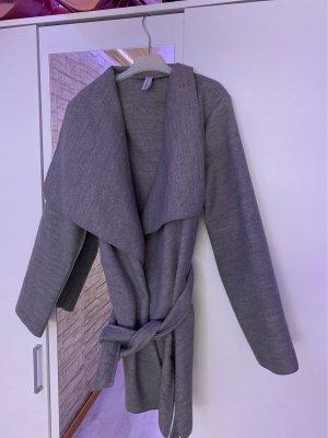 Cappotto corto grigio scuro