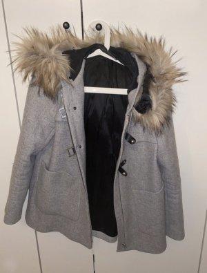Kurzer Mantel mit abnehmbarem Fell