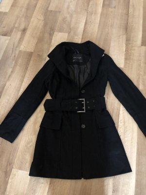 kurzer Mantel mit Gürtel