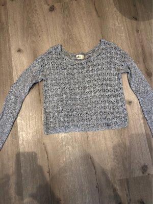 Kurzer Pullover mit Glitzer von Hollister