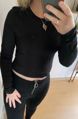 Kurzer Pullover mit Rückendetail