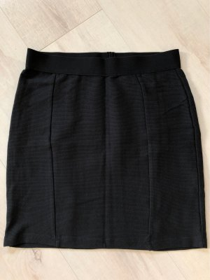 yfl RESERVED Falda stretch negro