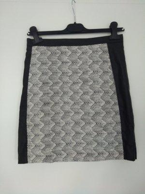 H&M Jupe en cuir synthétique blanc-noir
