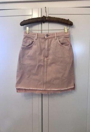 Kurzer rosafarbener Jeansrock im Vintagestil von H&M