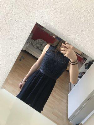 Kurzes Abendkleid
