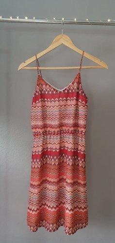kurzes Freizeitkleid Sommerkleid Spaghettiträger Ethno Muster zick zack rot