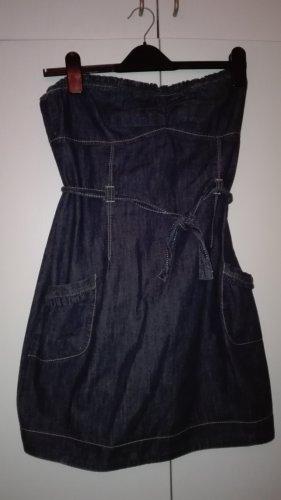 Kurzes Jeanskleid mit Corsagenausschnitt