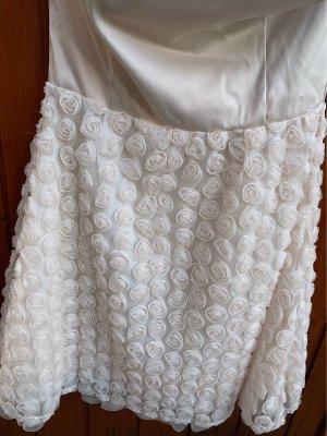 / Robe de bal crème-blanc