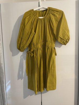 Kurzes Kleid aus Zara
