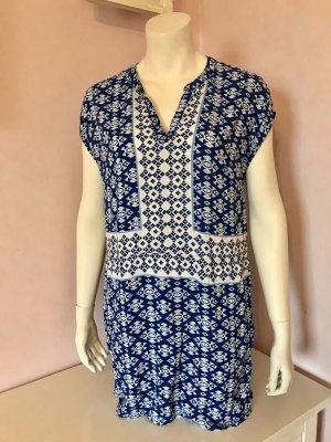 Kurzes Kleid im Boho Style mit V-Ausschnitt von H&M