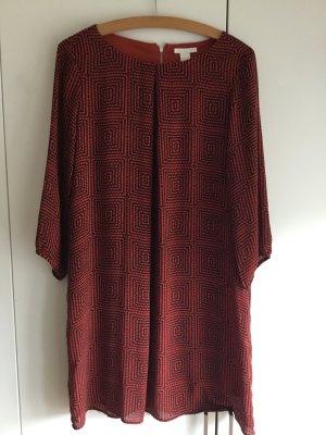 Kurzes Kleid in orange mit Muster