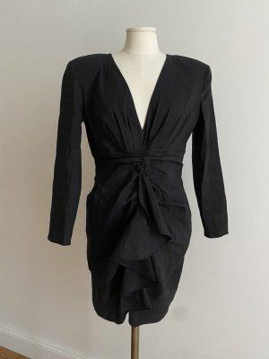 Kurzes Kleid in Schwarz mit Rüschen
