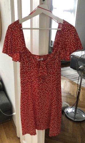 Kurzes Kleid mit Blümchen
