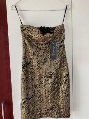 kurzes Kleid mit Etikett