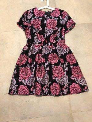 Kurzes Kleid mit Floralem Print