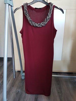 Kurzes Kleid mit Schmuck-Kragen