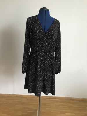Kurzes Kleid mit Wickeloptik
