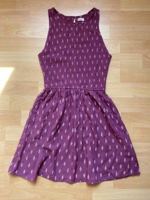 Kurzes Kleid von Hollister