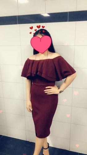 kurzes rotes Abendkleid