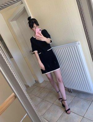 Kurzes schwarzes Kleid schwarz weiß